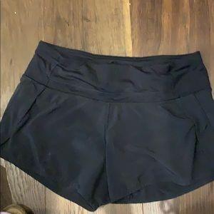 Lululemon Hotty hot shorts - size 4